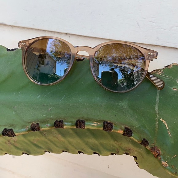 Oliver People's O'Malley Sun Glasses